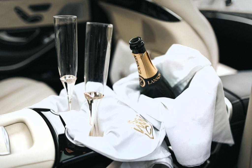 wedding car Champagne in bucket