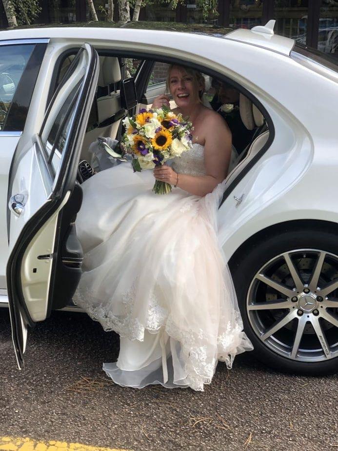 Bride and Groom wedding car hire.